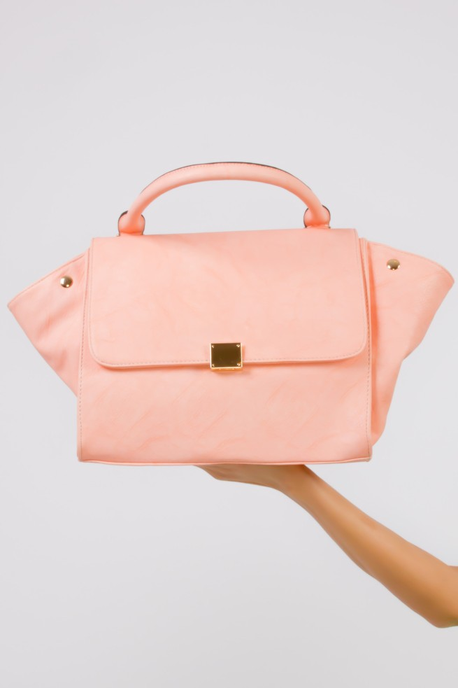 This Celine inspired bag s so pretty, I love it. It will be a great bag for back to school. Click the photo to purchase.