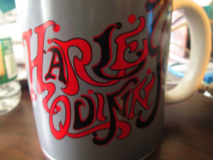 I just wanted to show you guy my new mug that I bought. It's Harley Quinn, of course!